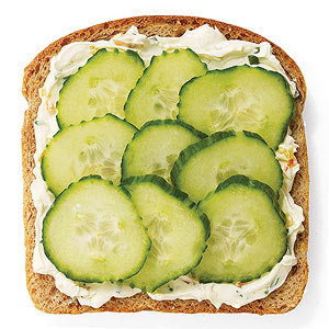 bread and cucumber